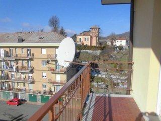 Foto 1 di Appartamento via Milite Ignoto, frazione Sarissola, Busalla