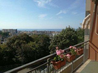 Foto 1 di Quadrilocale Via Sotto il Monte, Genova (zona San Fruttuoso)