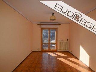 Foto 1 di Bilocale via Guardia Piemontese, Torre Pellice