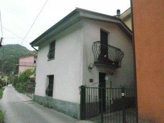 Foto 1 di Casa indipendente via Caminata, frazione Caminata, Ne
