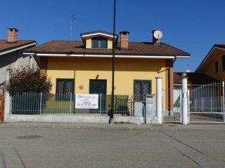 Foto 1 di Villa via tramvai 5, Saluzzo