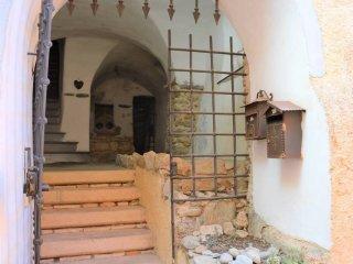 Foto 1 di Casa indipendente via San Rocco, Rialto