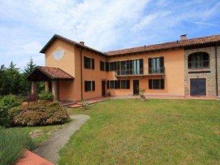Foto 1 di Rustico / Casale Frazione Valle Chioizze, 24, Calamandrana