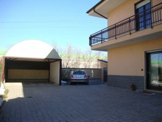 Foto 1 di Villa via Torino, Santena