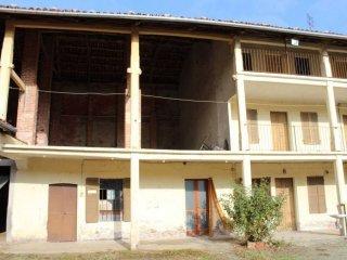 Foto 1 di Casa indipendente via Frazione Cesare, San Martino Canavese