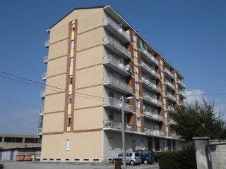 Foto 1 di Trilocale viale Camillo Olivetti 5, Agliè