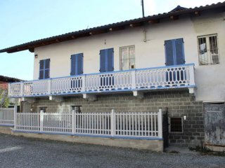 Foto 1 di Casa indipendente vicolo Enrietti Grosso, Castellamonte