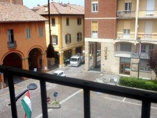 Foto 1 di Bilocale piazza Giuseppe Barilli Quirico Filopanti, Budrio