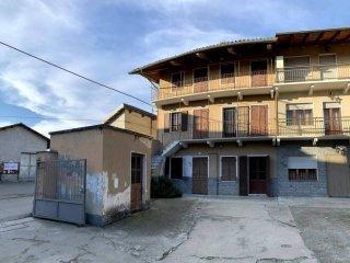 Foto 1 di Casa indipendente Strambino