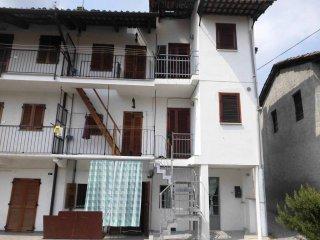 Foto 1 di Casa indipendente via Canonico Bertetti, Torre Canavese