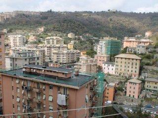 Foto 1 di Bilocale via EDERA, Genova (zona Quezzi)