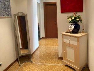 Foto 1 di Appartamento Savona