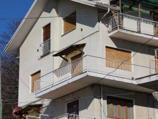 Foto 1 di Quadrilocale Borgata Levrette 14, Valgioie