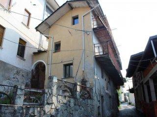 Foto 1 di Casa indipendente via Cavalice, Alice Superiore