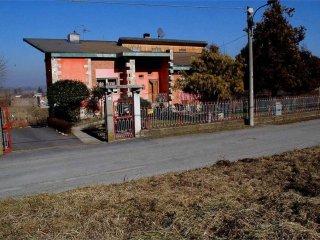 Foto 1 di Villa via Mezzana , 4, Monteu Da Po