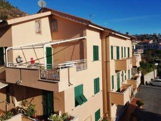 Foto 1 di Appartamento via Balosce 20, Boissano