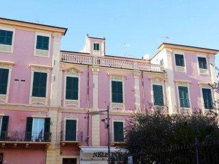 Foto 1 di Trilocale via Genova 80, Diano Marina