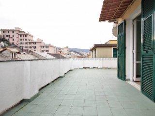 Foto 1 di Attico / Mansarda via Celesia, Genova (zona Sampierdarena, Certosa-Rivarolo)