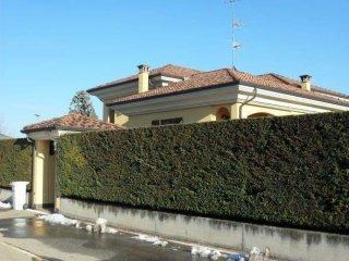 Foto 1 di Villa via 4 Novembre, frazione San Giuseppe, Castagnito
