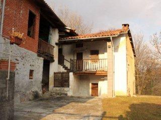 Foto 1 di Casa indipendente via Campo 30, frazione Villa Castelnuovo, Castelnuovo Nigra