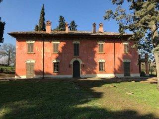 Foto 1 di Villa via Emilia Ponente, Imola