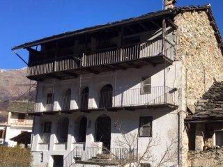Foto 1 di Villa piazza San Grato 7, Trausella