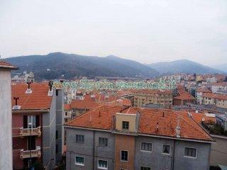 Foto 1 di Quadrilocale via Pippo Garibaldi, Savona