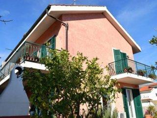 Foto 1 di Villa Regione Rapalline, Albenga