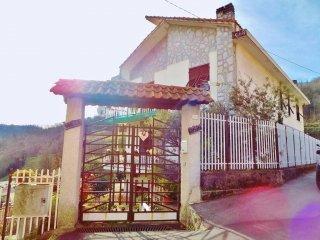 Foto 1 di Trilocale via Adolfo Lavagetto, frazione Vetrerie, Mignanego