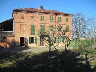 Foto 1 di Rustico / Casale via Scurzolengo 7, frazione San Desiderio, Calliano