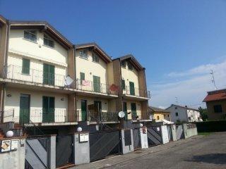 Foto 1 di Quadrilocale Fontevivo, Fontevivo