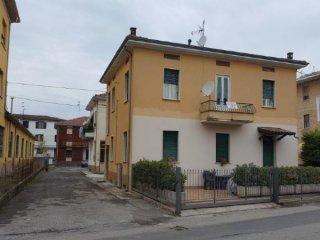 Foto 1 di Trilocale Via Martiri della Libertà, Fontevivo