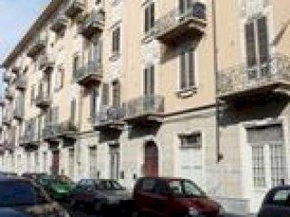 Foto 1 di Trilocale Torino Via Balangero 22, Torino