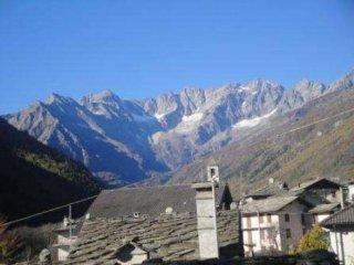 Foto 1 di Villa strada Provinciale 33, frazione Bonzo, Groscavallo