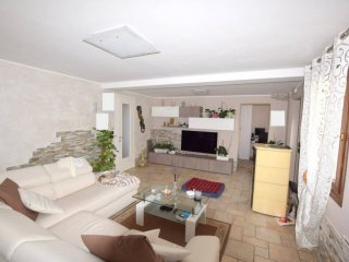Foto 1 di Casa indipendente via Tenente Fabrizio De Rossi, frazione Fener, Alano Di Piave