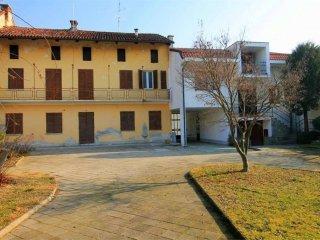 Foto 1 di Casa indipendente via Ponte Cesare, 26, Lombriasco