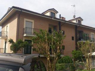 Foto 1 di Appartamento strada laverdina, Asti