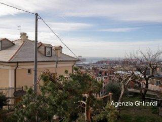 Foto 1 di Bilocale via Coronata 35, Genova (zona Cornigliano)