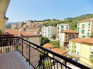 Foto 1 di Trilocale salita Serra Riccò 7, Genova (zona Pontedecimo)