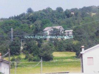 Foto 1 di Villa strada Eirola 6, Dego