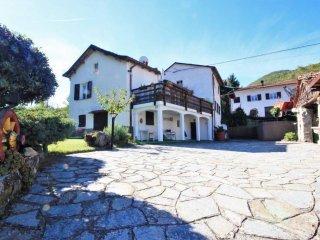 Foto 1 di Villa Località Casa di Ragione, Mongiardino Ligure