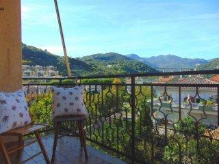 Foto 1 di Bilocale via Soccorso, Pietra Ligure
