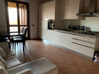 Foto 1 di Bilocale strada Carignano 81, Vinovo
