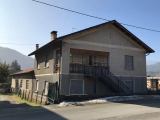Foto 1 di Villa via Venasca 73, Piasco