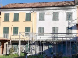 Foto 1 di Casa indipendente Nizza Monferrato