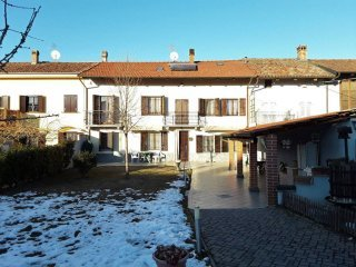 Foto 1 di Casa indipendente strada San Vittore, Priocca