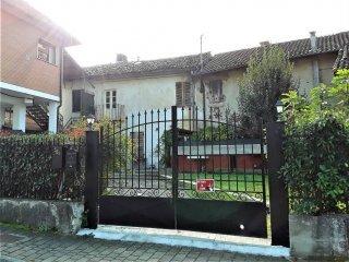 Foto 1 di Casa indipendente strada Pratomorone 56, Tigliole