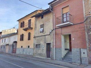 Foto 1 di Casa indipendente via Verrua Savoia  40, Brusasco