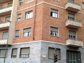 Foto 1 di Trilocale C.so Novara, Torino (zona Barriera Milano, Falchera, Barca-Bertolla)