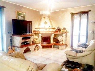 Foto 1 di Appartamento via dei Salici 32, None